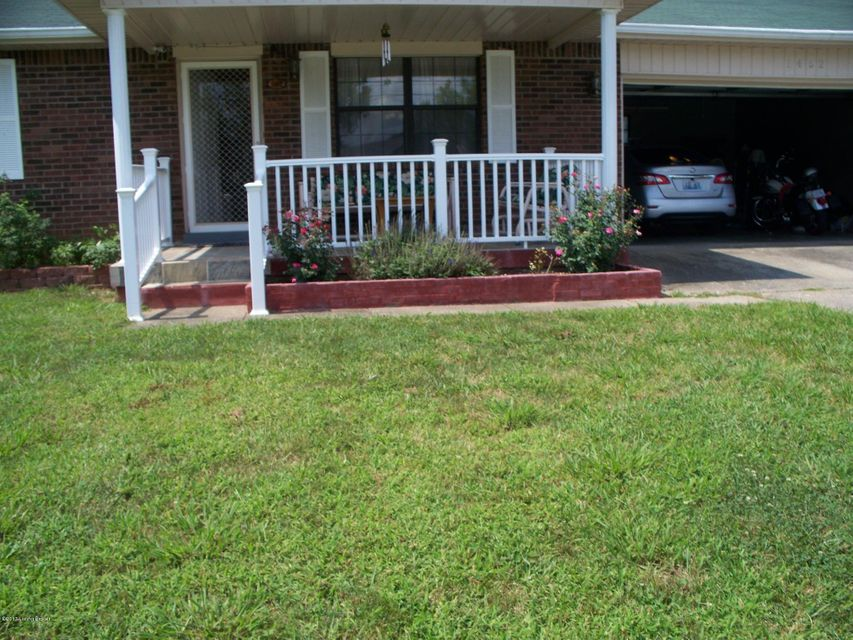 Additional photo for property listing at 1452 Crestview Drive  Radcliff, Kentucky 40160 United States