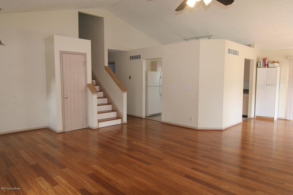 Additional photo for property listing at 7408 Spring Run Drive 7408 Spring Run Drive Louisville, Kentucky 40291 United States
