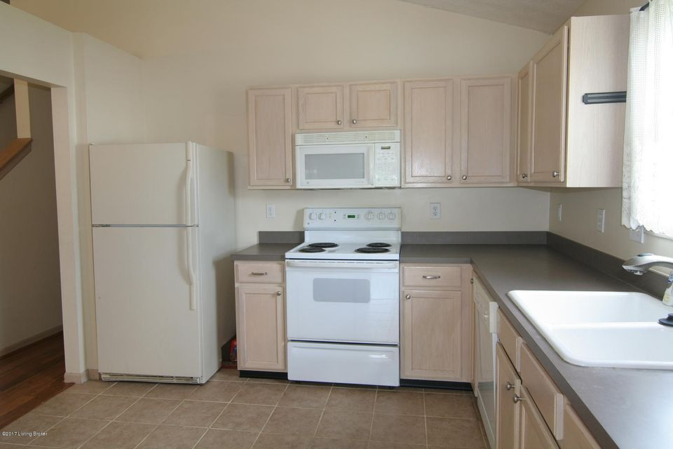 Additional photo for property listing at 7408 Spring Run Drive  Louisville, Kentucky 40291 United States