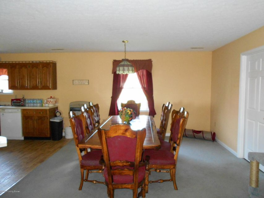 Additional photo for property listing at 302 N Patterson Street  Clarkson, Kentucky 42726 United States