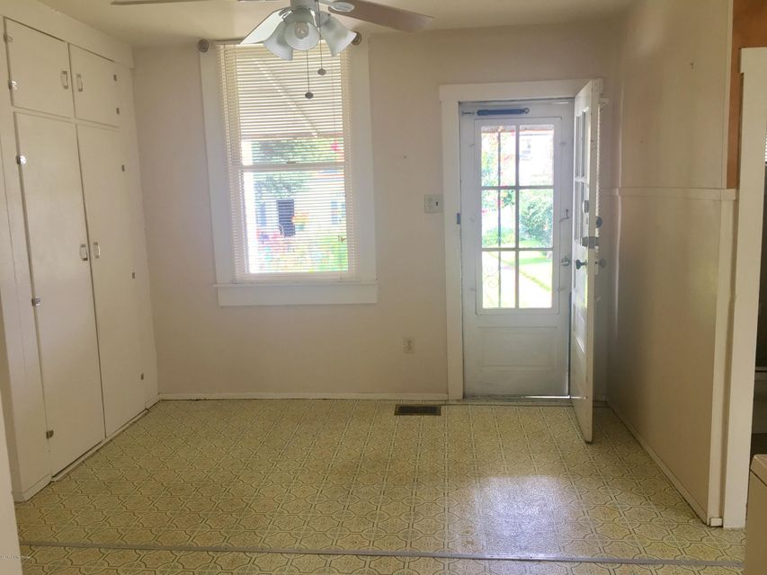 Additional photo for property listing at 1122-1124 Payne  Louisville, Kentucky 40204 United States