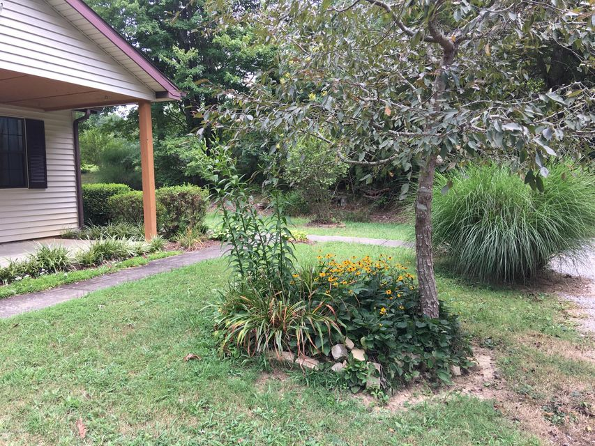 Additional photo for property listing at 6345 Grayson Springs Road 6345 Grayson Springs Road Clarkson, Kentucky 42726 United States
