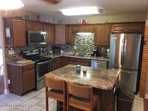 Additional photo for property listing at 2709 Cranston Drive  Jeffersontown, Kentucky 40299 United States