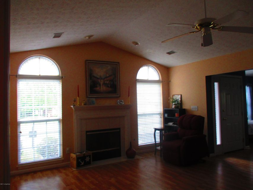 Additional photo for property listing at 9602 River Birch Drive  Louisville, Kentucky 40291 United States