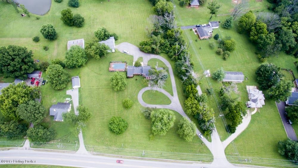 Additional photo for property listing at 2709 Shelbyville Road  Shelbyville, Kentucky 40065 United States