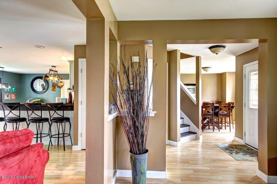 Additional photo for property listing at 1107 Hamlet Forest  La Grange, Kentucky 40031 United States