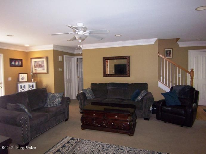 Additional photo for property listing at 610 Hutchins Court  Bardstown, Kentucky 40004 United States