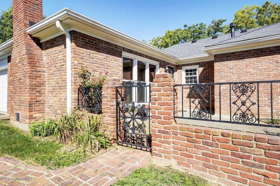 Additional photo for property listing at 7210 Brownsboro Road  Louisville, Kentucky 40242 United States