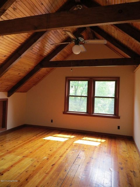 Additional photo for property listing at 832 E Main Street 832 E Main Street Vine Grove, Kentucky 40175 United States