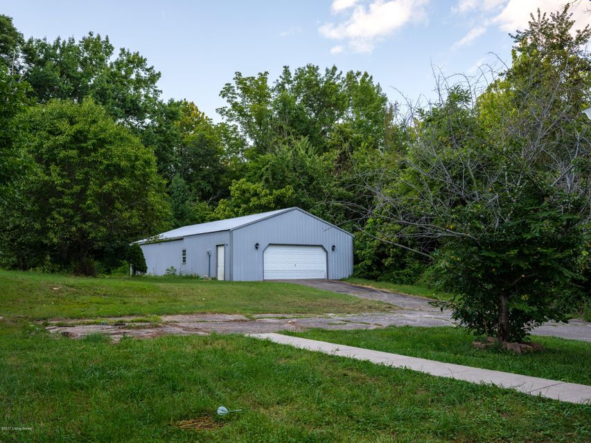 Additional photo for property listing at 9406 3rd Street Road  Louisville, Kentucky 40272 United States
