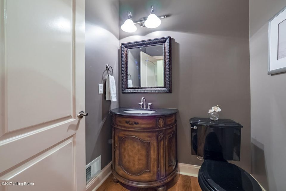 Additional photo for property listing at 18741 Willington Circle  Louisville, Kentucky 40245 United States