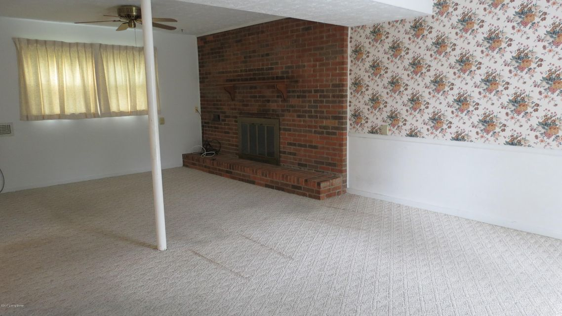 Additional photo for property listing at 10103 Saint Rene Road  Jeffersontown, Kentucky 40299 United States