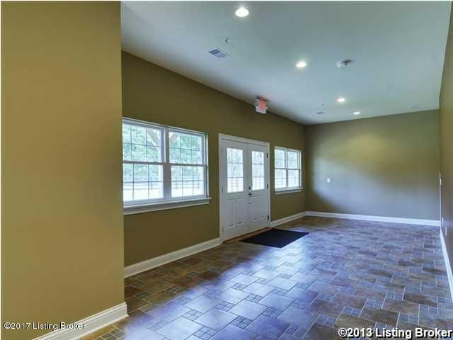 Additional photo for property listing at 2612 S English Station Road 2612 S English Station Road Louisville, Kentucky 40299 United States
