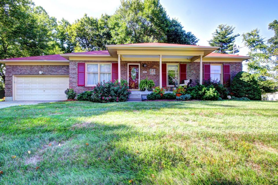 Single Family Home for Sale at 11211 Lincoln Way Louisville, Kentucky 40223 United States