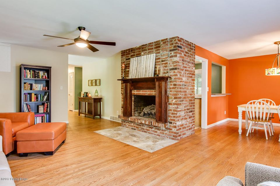 Additional photo for property listing at 6921 Woodrow Way  Louisville, Kentucky 40228 United States