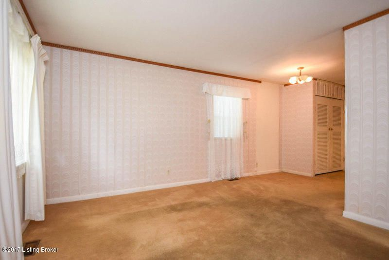 Additional photo for property listing at 9806 Rowntree Road  Jeffersontown, Kentucky 40299 United States