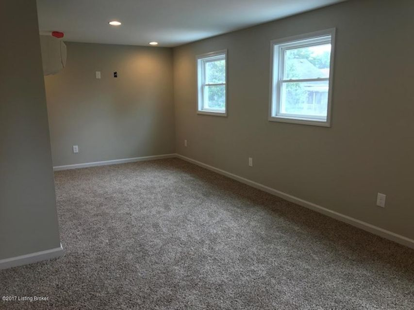 Additional photo for property listing at 1112 Julia Avenue  Louisville, Kentucky 40204 United States