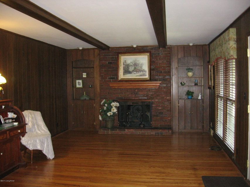 Additional photo for property listing at 8907 Peterborough Drive  Louisville, Kentucky 40222 United States