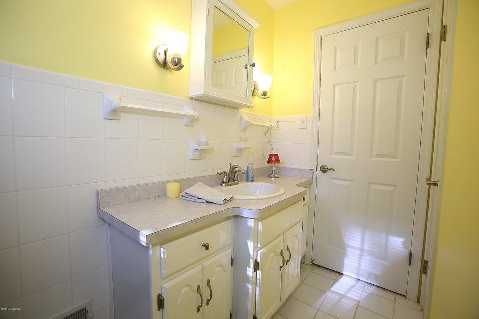 Additional photo for property listing at 2589 Raymond Road  Shepherdsville, Kentucky 40165 United States