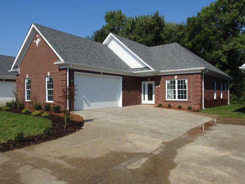 Single Family Home for Sale at 7106 Brett Frazier Drive 7106 Brett Frazier Drive Louisville, Kentucky 40291 United States