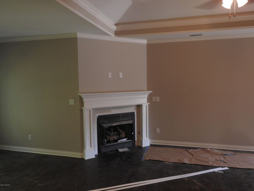 Additional photo for property listing at 7106 Brett Frazier Drive  Louisville, Kentucky 40291 United States