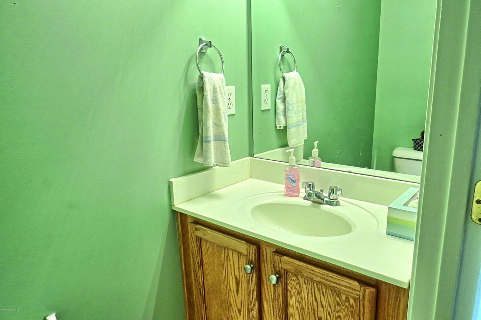 Additional photo for property listing at 3218 Welman Drive  Louisville, Kentucky 40216 United States