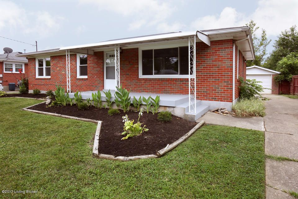 Additional photo for property listing at 11412 Flowervale Lane  Louisville, Kentucky 40272 United States