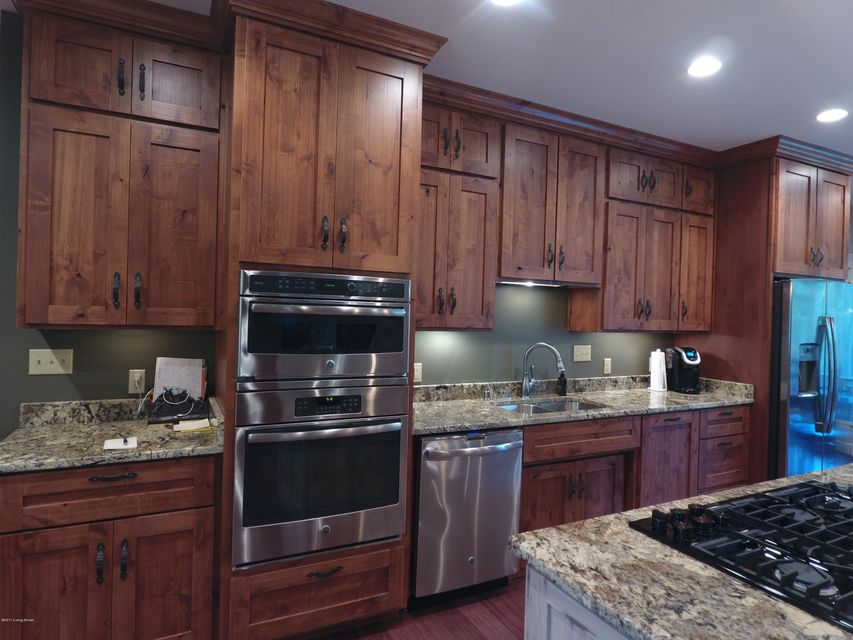 Additional photo for property listing at 711 Brooks Lane  Simpsonville, Kentucky 40067 United States