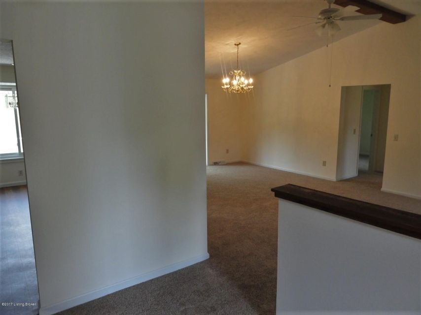 Additional photo for property listing at 109 Kristen Court  Radcliff, Kentucky 40160 United States