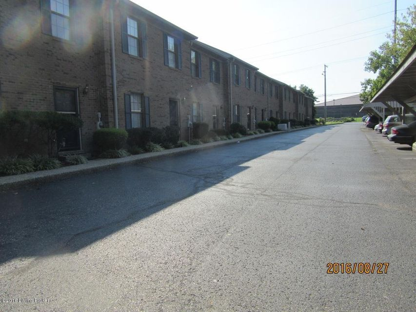 Additional photo for property listing at 2841 Hikes Lane  Louisville, Kentucky 40220 United States