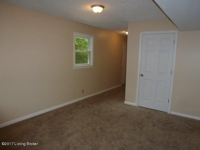 Additional photo for property listing at 1103 Harmony Lane 1103 Harmony Lane Goshen, Kentucky 40026 United States