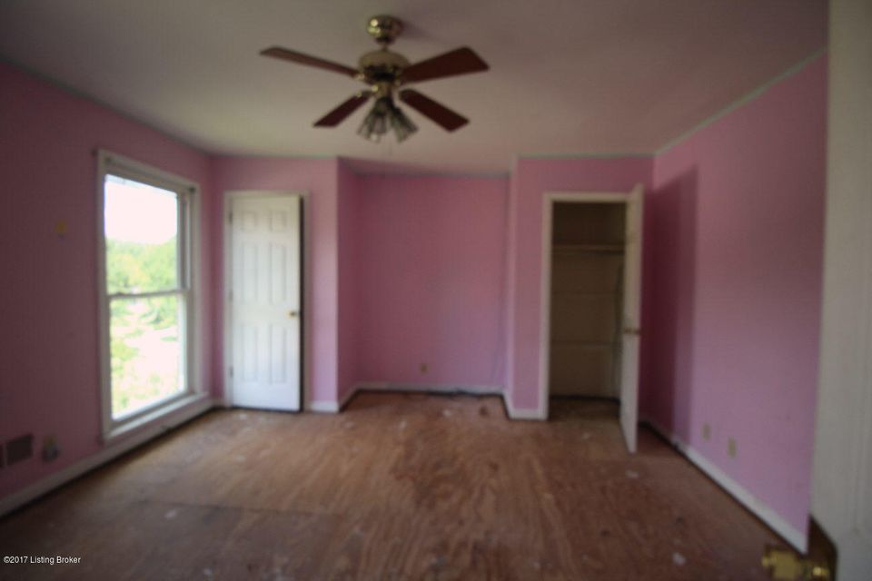 Additional photo for property listing at 205 Burleigh Court  Louisville, Kentucky 40245 United States