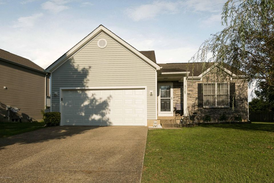 Single Family Home for Sale at 9707 River Trail Drive Louisville, Kentucky 40229 United States
