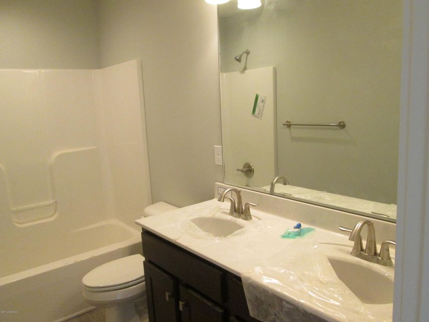 Additional photo for property listing at 1206 Summit Parks Drive  La Grange, Kentucky 40031 United States