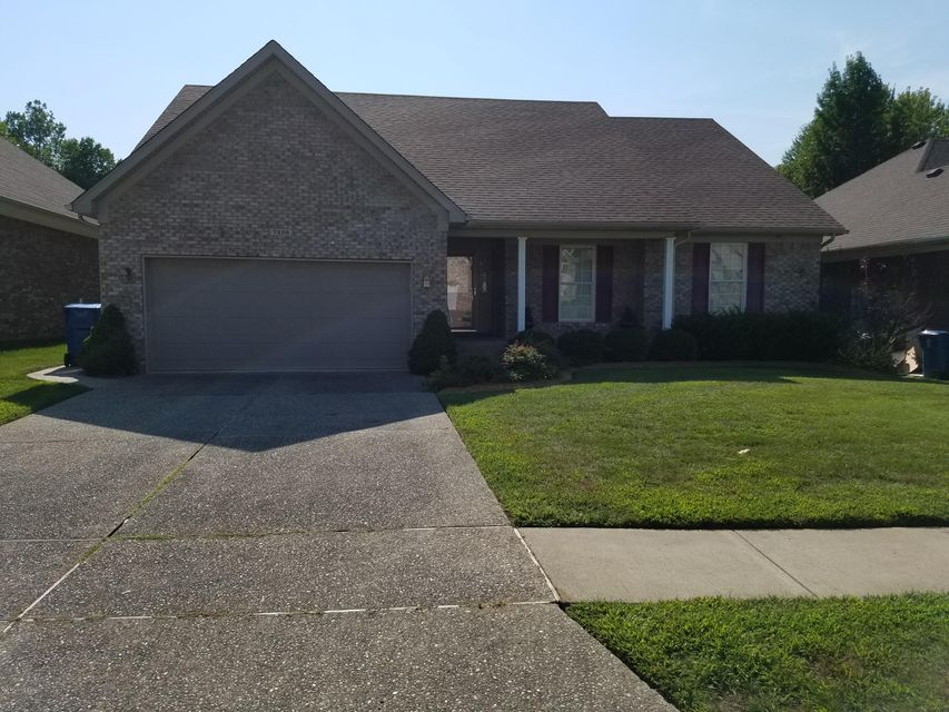 Single Family Home for Sale at 7226 Oakburn Drive Louisville, Kentucky 40258 United States