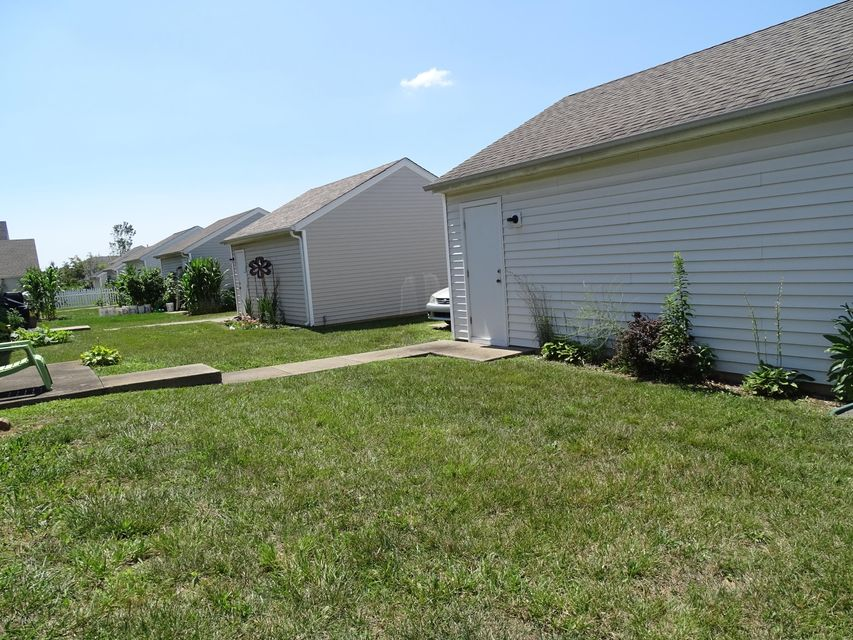 Additional photo for property listing at 5711 Bay Harbor Drive  Louisville, Kentucky 40228 United States