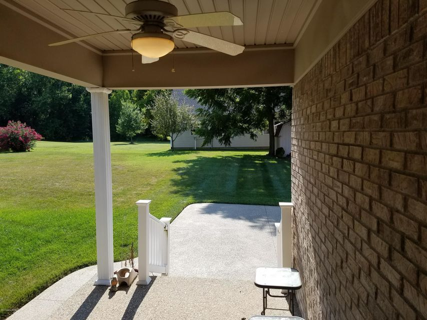 Additional photo for property listing at 7226 Oakburn Drive  Louisville, Kentucky 40258 United States