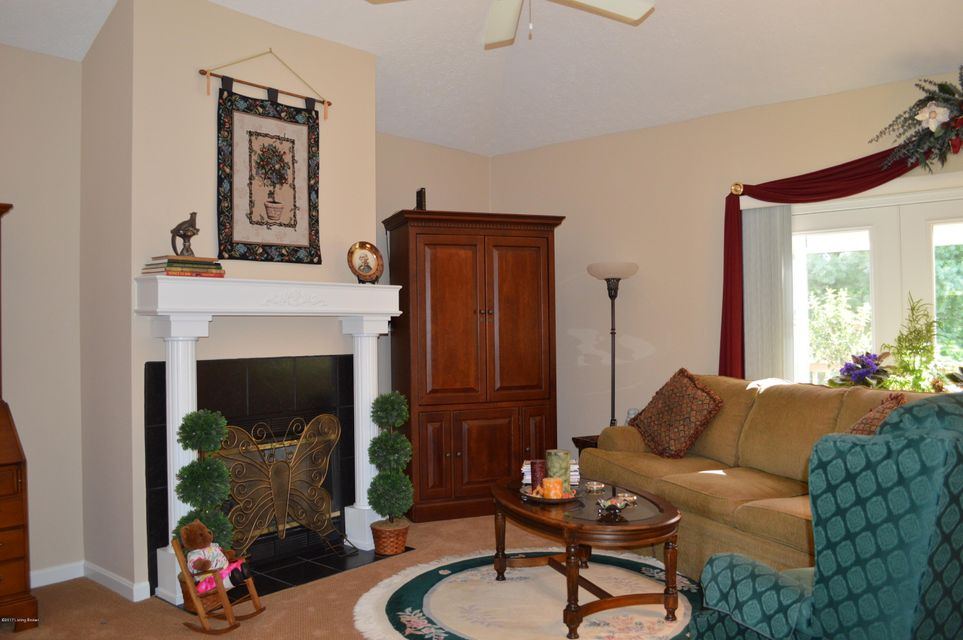 Additional photo for property listing at 8315 Dravo Circle  Louisville, Kentucky 40220 United States