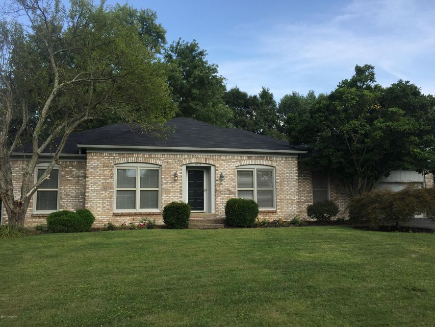 Single Family Home for Sale at 12112 Briargate Lane Goshen, Kentucky 40026 United States