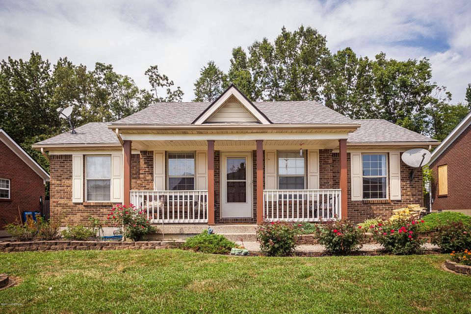 Single Family Home for Sale at 10414 Pebble Stone Circle Louisville, Kentucky 40229 United States