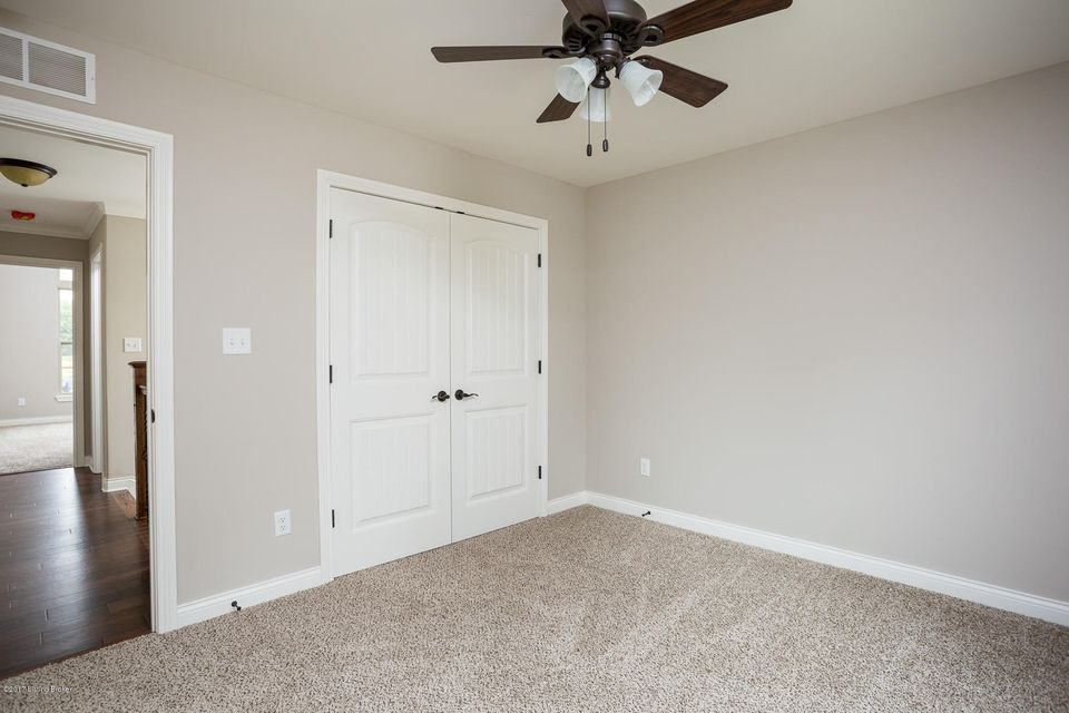 Additional photo for property listing at 10704 Lauren Place 10704 Lauren Place Louisville, Kentucky 40291 United States