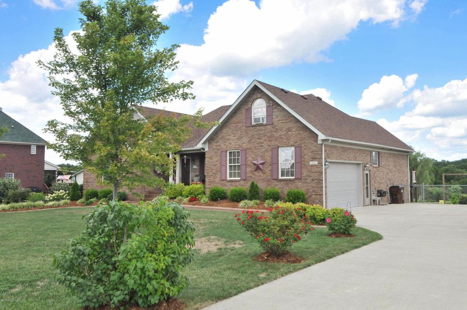 Single Family Home for Sale at 604 Meadowland Trail 604 Meadowland Trail Shepherdsville, Kentucky 40165 United States