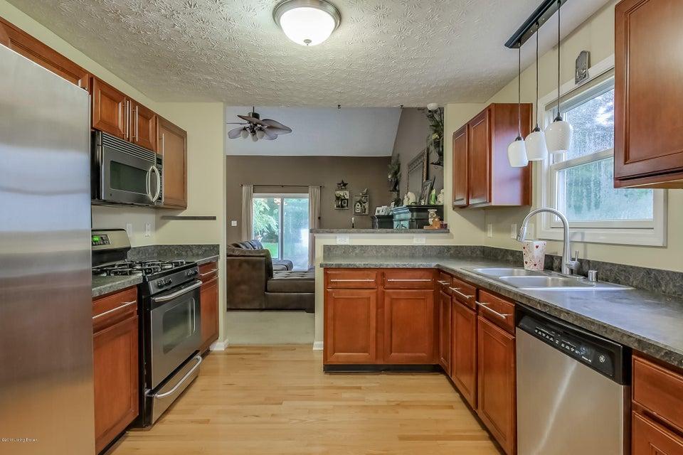 Additional photo for property listing at 2024 Cherry Ridge Court  La Grange, Kentucky 40031 United States