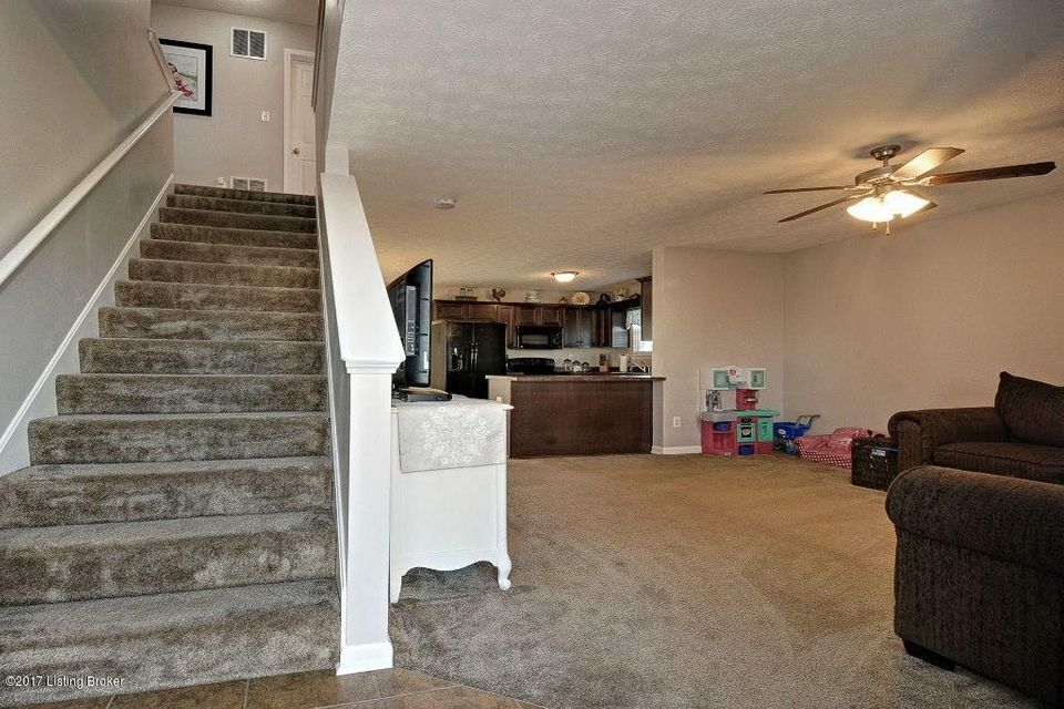 Additional photo for property listing at 124 Kristen Marie Court  Mount Washington, Kentucky 40047 United States