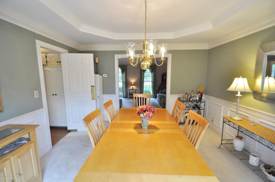 Additional photo for property listing at 1026 Garden Creek Circle  Louisville, Kentucky 40223 United States