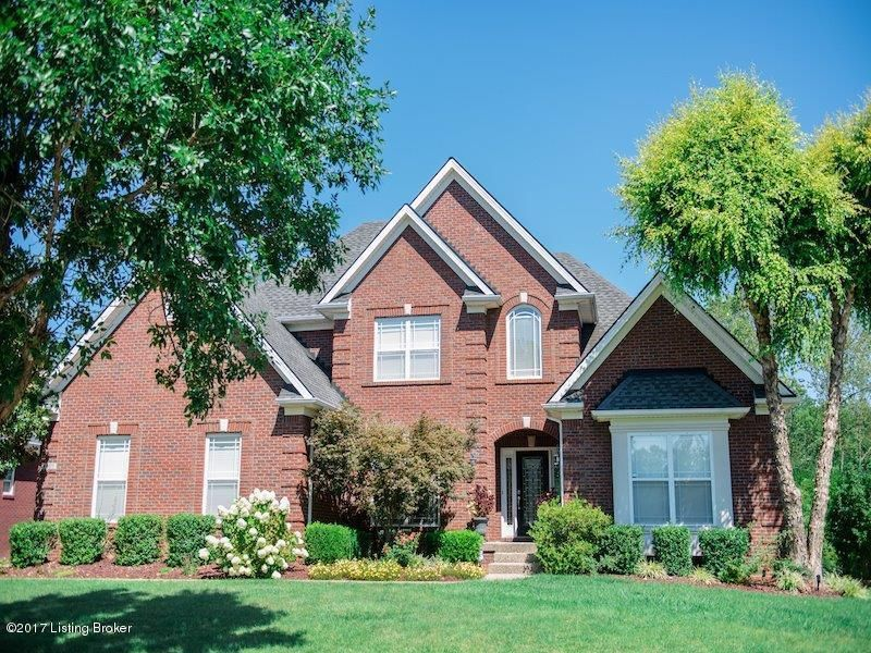 Single Family Home for Sale at 4607 Crossfield Circle Louisville, Kentucky 40241 United States