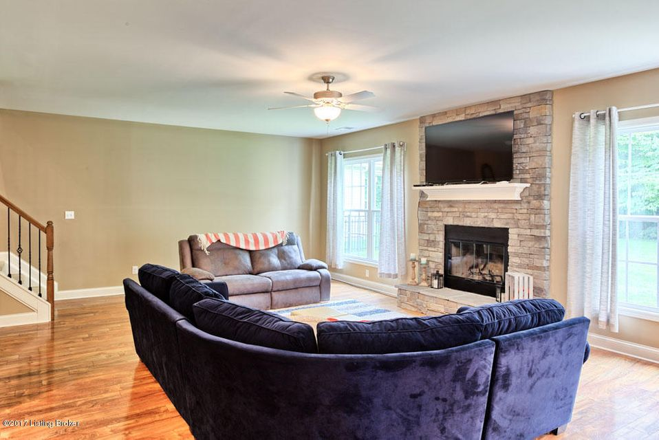 Additional photo for property listing at 11510 English Garden Way  Louisville, Kentucky 40229 United States