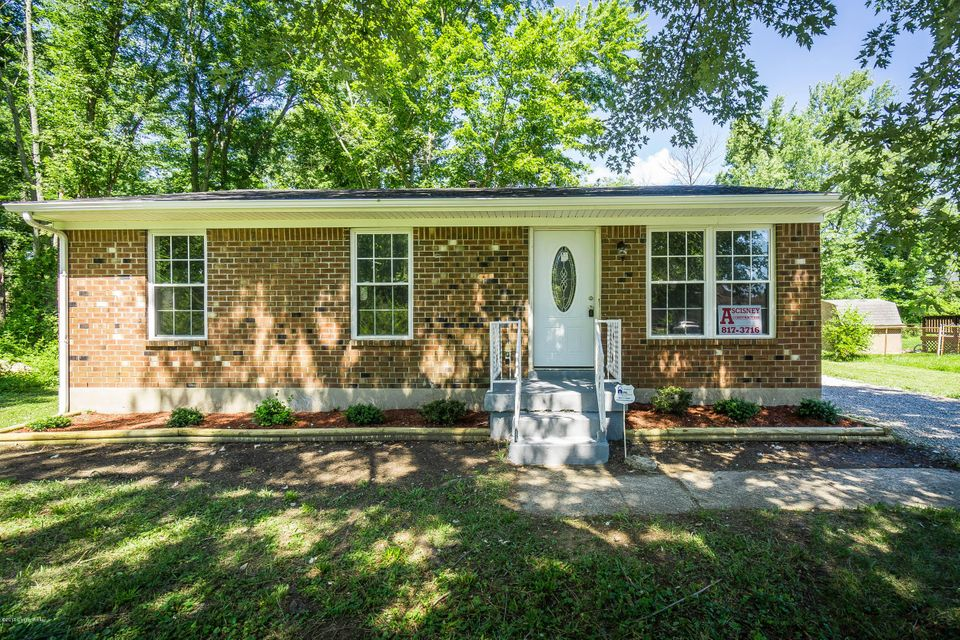 Single Family Home for Sale at 6102 Santa Fe Trail Louisville, Kentucky 40258 United States