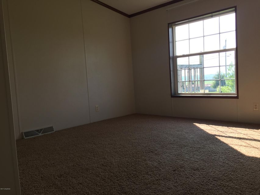 Additional photo for property listing at 906 Sunset Drive  Vine Grove, Kentucky 40175 United States