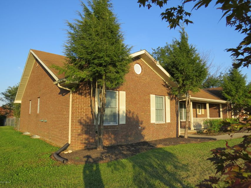Single Family Home for Sale at 338 Cedarwood Road Bedford, Kentucky 40006 United States